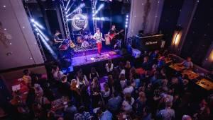 Křest nového iREPORTu v La Loce doprovodil skvělý koncert Lake Malawi