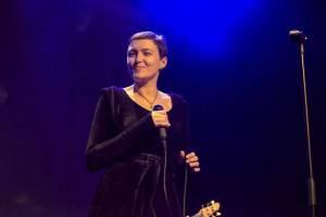 Inna Zhelannaya přivezla do pražské Akropole mix folku, jazzu i rocku