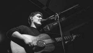 Irská teenagerka Soak rozdávala emoce v pražském Chapeau Rouge