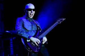 Joe Satriani a Dan Patlansky byli hvězdami kytarového večírku ve Foru Karlín