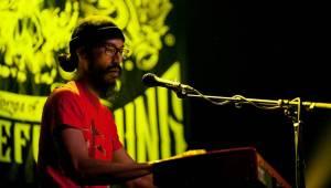 Everlast postavil v Roxy skvělou show jen na klávesách a kytaře