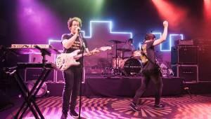 Britští hitmakeři The Wombats přijeli roztančit Lucerna Music Bar