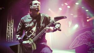 Malou sportovní halou v Praze otřásli Papa Roach a Five Finger Death Punch