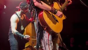 Stroy vyšvihli v Lucerna Music Baru show hodnou velikánů