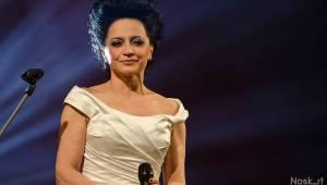 Lucie Bílá slavila Vánoce i svátek v Hudebním divadle Karlín. Gratulovali Jiří Suchý i Honza Toužimský