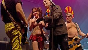 Visací zámek měl na oslavě 33 let ukřižovanou striptérku i prezidenta republiky