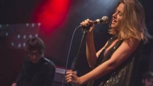 Emma Smetana křtila nový klip v Lucerna Music Baru. A byla skvělá
