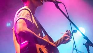 Sebastian v Brně odehrál koncert kompletně akusticky