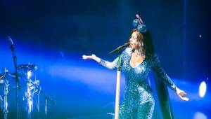 Marina And The Diamonds v Praze oslavovala osmdesátky