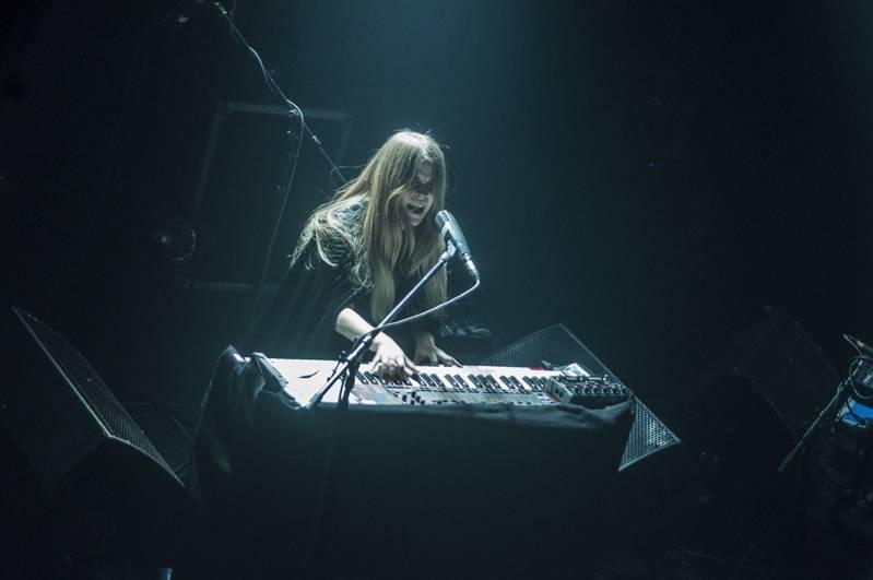 Anna Von Hausswolff přivezla do Akropole novou desku i své oslavné varhany