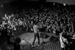 The Neighbourhood v Praze vyhráli souboj se zvukem a fanoušci je hltali