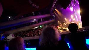 Glen Hansard vystoupil v Brně s dechovým a smyčcovým doprovodem