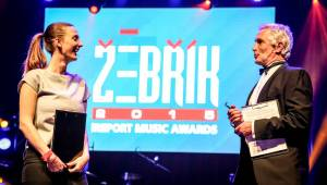 Tomáš Hanák a Barbora Poláková zářili jako moderátoři Žebříku, činili se i vystupující