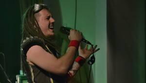 Metalový večírek v Šeříkovce: Arakain a Dymytry hráli v Plzni