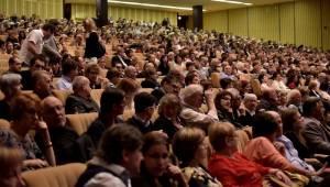 Charles Aznavour v jednadevadesáti konečně potěšil Prahu