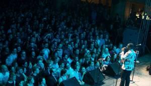 Scott Bradlee a spol. rozbalili Postmodern Jukebox v Lucerně