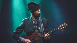 Charlie Winston předvedl Lucerna Music Baru hity i svou sestru
