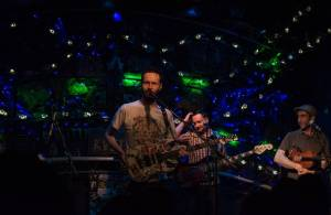 Květy v Crossu: krásná hudba, přátelská atmosféra a jako bonus Babbutzi Orkestar