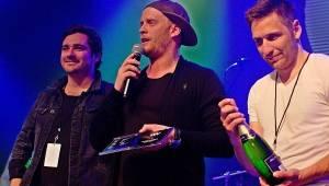 Viktor Dyk a WAW křtili v Lucerna Music Baru. Přišli Vojta Kotek, Jakub Prachař i Martin Písařík