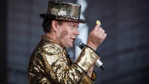 Monkey Business ve Žlutých lázních: Polonahý Matěj Ruppert si zaplaval, zpívaly Tonya Graves i Tereza Černochová