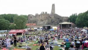 Okoř se šťávou: Zábava v nádherných kulisách hradu