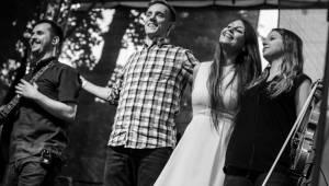 Jelen a Kateřina Marie Tichá ovládli Střelecký ostrov, hráli i písně z nové desky