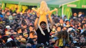 Votvírák přitáhl do Milovic davy: V první den vystoupili Mig 21, Chinaski, Rybičky 48, Voxel i Wohnout