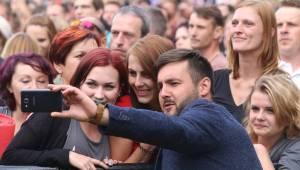 Topfest dorazil ze Slovenska poprvé na Moravu: na zámku Slavkov hráli Chinaski, Čechomor i Miro Žbirka