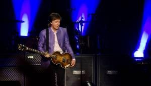 Paul McCartney vyprodal O2 arenu do posledního místečka! Prahou zněli Beatles i sólové hity