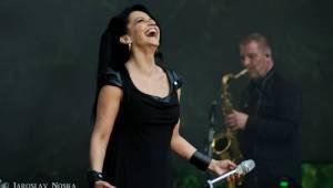 Lucie Bílá pod hradem Loket rozdávala úsměvy i skvělou náladu