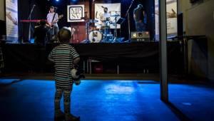 Tata Bojs zahráli v Cargo Gallery všem tatínkům