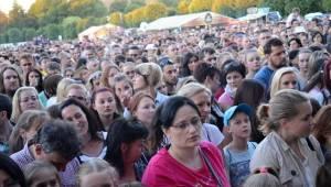 Holešovská regata viděla domácí špičku: přijeli Kryštof, Aneta Langerová, No Name i Jelen