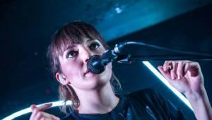 Oh Wonder v Praze: Narvané Rock Café se usmívalo od ucha k uchu