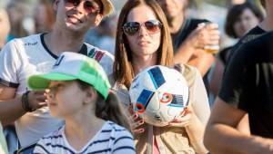 Wohnout ve Žlutých lázních roztančili fanoušky fotbalu