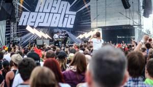 První den Rock for People nezklamal! V Hradci Králové zářili Skillet, Nero či Royal Republic
