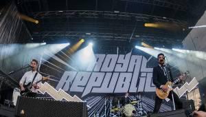 Prvním dnem Rock for People létala energie napříč žánry