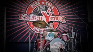 Rocková Hostim: Diváky bavili ZakázanÝovoce, oheň i zahraniční kapely