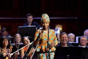 Prague Proms okouzlil další nezapomenutelný hlas: Angélique Kidjo
