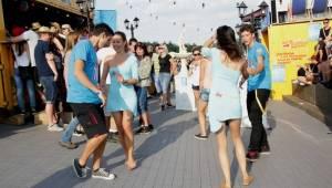 Start festivalu Hrady.cz na Točníku: Kabát, Divokej Bill, Rybičky 48 i zábavný program pro celou rodinu