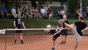 Nohejbalový turnaj kapel Festonda Cup vyhrál Medvěd 009, o zábavu nebyla nouze