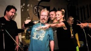 Emma band pokřtil novou desku, přišli i Medvěd 009 a Oleg Homola