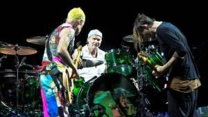 Red Hot Chili Peppers se vrátili do Prahy ve velkém stylu
