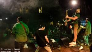 Festival Bezručák: V Hřebíkárně bavili Peter Pan Complex, Thom Artway, IAN a jako zlatý hřeb UDG