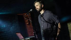 Lukas Landa pokřtil v pražském Café V lese svou druhou desku Islands