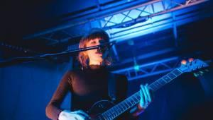 Daughter se svým indie folkem vyprodali Roxy
