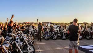 Stovka motorkářů, desítky litrů piva a jedineční Dymytry! Takhle vypadalo natáčení pekelného klipu xxx