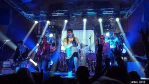 Alkehol a Walda Gang v Pardubicích: Vláďa Šafránek zpíval pro Tondu Rauera