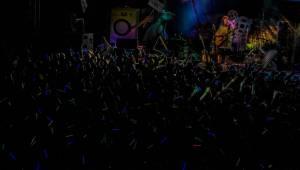 Tomáš Klus v Liberci energicky zpíval, skákal, hovoril po slovensky a vtipkoval