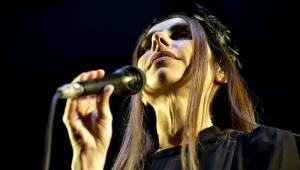 PJ Harvey v Praze otevřela sociální témata, vzpomínala ale i na punkovou éru