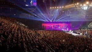 Český mejdan v O2 areně: Pro 20 tisíc lidí zpívali Jelen, No Name, Miro Žbirka i Karel Gott